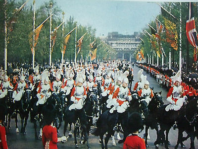 Vintage Military Postcard-The Sovereign's Escort Life Guards In The Mall
