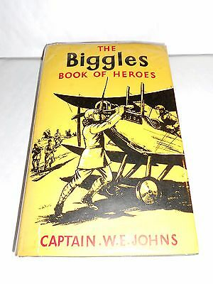 THE BIGGLES BOOK OF HEROES - Captain W E Johns - First Edition 1959 HB DJ