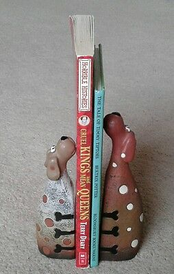 Pair of Embracing Dogs Bookends - Decoration or practical use
