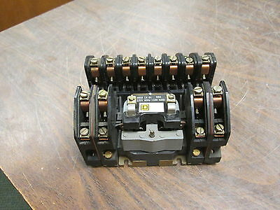 Square D Lighting Contactor 8903 L01200 120V Coil 20A 600V Used