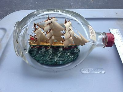 Beautiful Decorative Lovely Vintage Ship In A Bottle(Used)