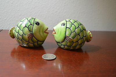 "UNUSED Pastel Lime Green Tropical Fish Swim Salt Pepper Shaker Set, 3"" x 2"","