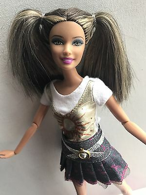 Fashionistas Barbie Teresa Doll Swappin' Styles 2010 Rare
