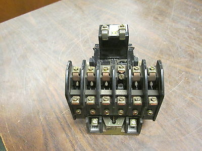 Square D Lighting Contactor 8903 LL0 40 120V Coil 20A 250VDC Used