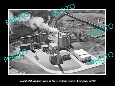 OLD LARGE HISTORIC PHOTO OF HUMBOLDT KANSAS, VIEW OF THE MONARCH CEMENT Co c1950