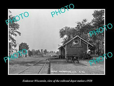 OLD LARGE HISTORIC PHOTO OF ENDEAVOR WISCONSIN, THE RAILROAD DEPOT STATION c1920