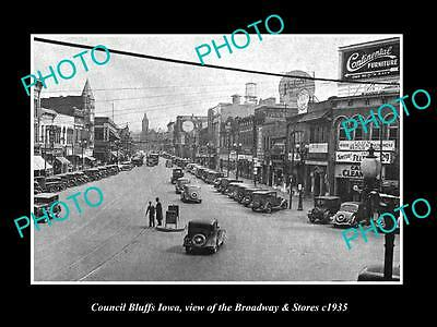 OLD LARGE HISTORIC PHOTO OF COUNCIL BLUFFS IOWA, VIEW OF BROADWAY & STORES c1935