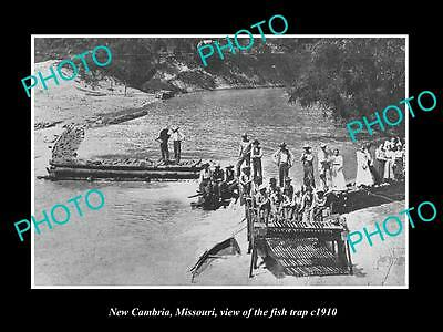 OLD LARGE HISTORIC PHOTO OF NEW CAMBRIA MISSOURI, THE FISH TRAP ON RIVER c1910
