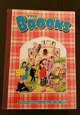 The Broons Book1985  Hardback Edition D C Thomson