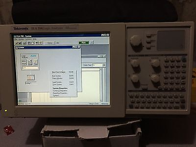 Tektronix TLA 704 Logic Analyzer