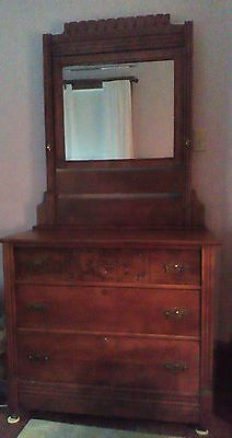 Eastlake dresser with mirror, simpler style, very good condition