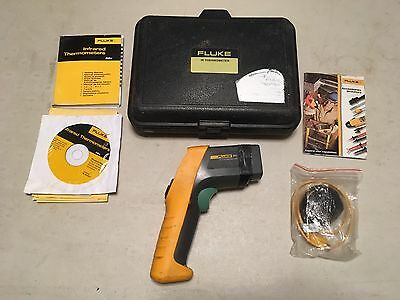 Fluke 561 IR Thermometer with Case & Manual