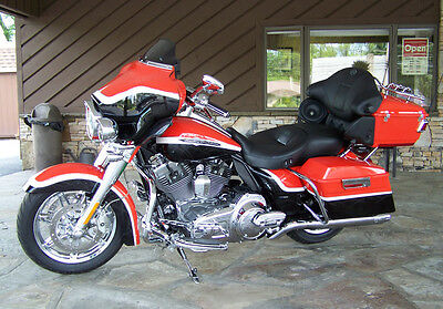 2012 Harley-Davidson Touring  2012 Harley Davidson Ultra CVO Screaming Eagle - Screaming Eagle Engine Kit!!!