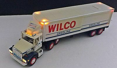 Vintage-1988 Wilco Gasoline Tractor Trailer Toy Truck Bank-Working Lights-Nice!