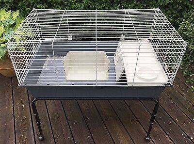 Large ferplast 100 indoor guinea pig cage and stand for Guinea pig stand