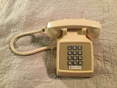 Vintage At&t Bell Western Electric 2500 Butter Yellow Cream Push Button Phone