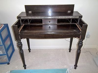 Shaw spinet desk with chair