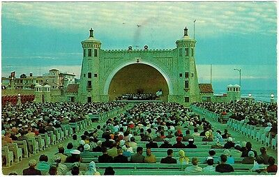 1975 - A Concert in the Bandshell at Daytona Beach, Florida - PC #840