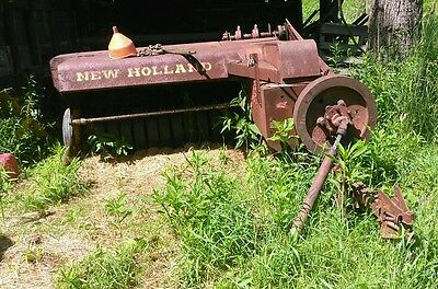 New Holland 268 baler
