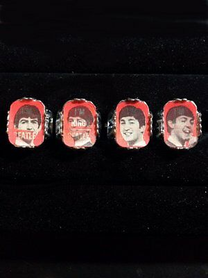 The Beatles First Issue 4 Flicker Flasher Rings Gumball Display Toy Vari-Vue .