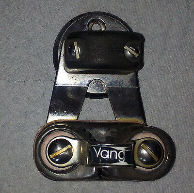 Harken Swivel Cam Cleat with bulls eye
