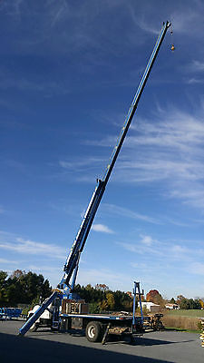 CLEAN AND READY   1998 Ford F800 with Manitex 17 ton boom truck with 108' reach