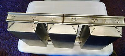 Chicago Metallic Bakeware Aluminized Steel Glazed 3-Strap Loaf Pan Set