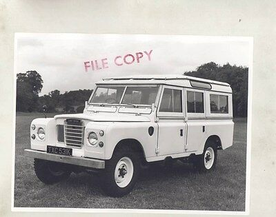 1971 Land Rover Series III 109 Station Wagon ORIGINAL Factory Photograph wy0825