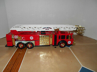 Texaco 95 Anniversary Edition GOLD aerial tower fire truck,1:32 scale,MIB,#2805