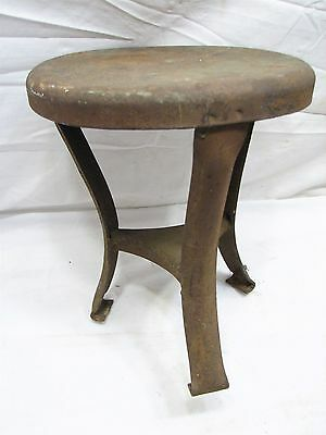Primitive 3-Leg Steel Milking Stool Farm Foot Rest Dairy Cow Goat Tool