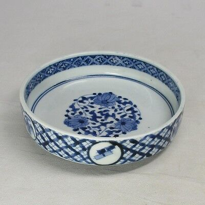 F209: Real Japanese OLD IMARI blue-and-white porcelain plate with good style