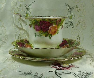 """Royal Albert """" Old Country Roses """" Trio Cup Saucer Cake Plate 1962 1St Quality"""