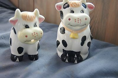 vintage ceramic cow sugar bowl and creamer