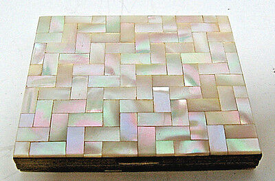 Compact MOTHER OF PEARL WOMEN'S COMPACT   VINTAGE   BEAUTIFUL DESIGN