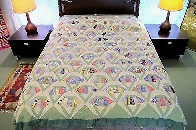 "Vintage Feed Sack, Cotton QUILT, Unusual Pattern: RING or BASKET ?; 81"" x 73"""
