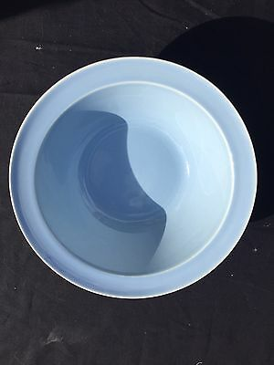 """Beautiful 9"""" T. S. & T. Blue Lu-Ray Pastel Bowl, Vintage Mint Condition LuRay"""