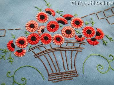 Amazing Embroidery! Vintage Cottage Floral Tablecloth & Six Napkins