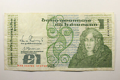 IRELAND ONE POUND NOTE 1989 P-70d Lot-232