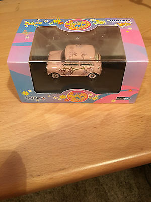 Oxford Swinging Sixties Mini Car Design Toy 1:43 New in BOx