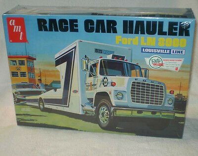 AMT 1/25 Ford LN 8000 Race Car Hauler plastic model Truck kit # 758