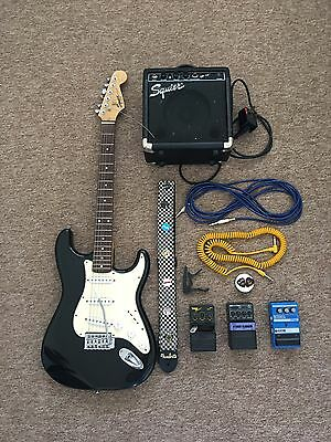 Fender Squire Stratocaster, Amp, 3 Pedals