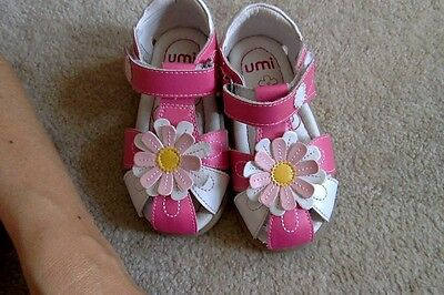 New Umi girls sandals size 7 pink and white flowers