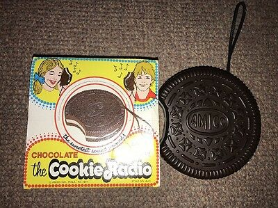 Vintage 1977 Chocolate Oreo Cookie Radio