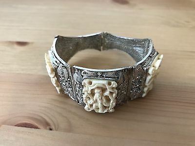An Antique Chinese White metal (silver-plated) Filigree Bracelet