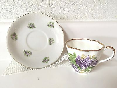 Salisbury Bone China tea cup made in England and a mismatched Grantcrest saucer
