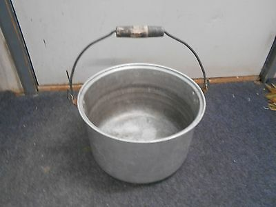 vintage Walker aluminum large pot with handle camp cooking kettle 11 x 7