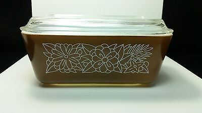 Vintage PYREX 1 1/2 Qt Refrigerator Dish Brown Floral Flowers Wood NEW CONDITION