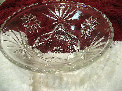 Vintage Star of David Clear Glass Scalloped Edge Footed Bowl Excellent Condition