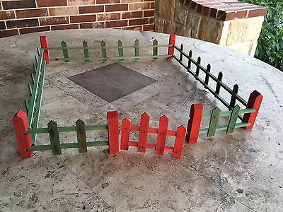 "Vintage 1930's Putz Village Green, Red Fence Fencing, Gate,11 Pieces, 76"" Around"