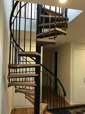 Wrought Iron spiral staircase Plain balustrade with timber treads 1400 Diameter